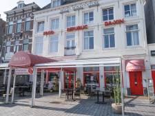 Aziatische Heintje Davids legt mes en vork neer; Vlissings restaurant Da-Xin sluit deuren definitief