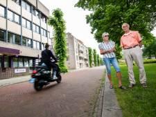 Omwonenden Brinklaan in Apeldoorn zijn ronkende scooters en motoren spuugzat