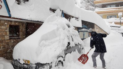 Hoogste sneeuwalarm van kracht in grote delen Oostenrijk: tot drie meter extra sneeuw, burgers moeten voedsel inslaan voor minstens een week