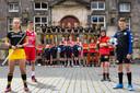 Jeugdspelers van HC Den Bosch, FC Den Bosch, Heroes en The Dukes bij het stadhuis.