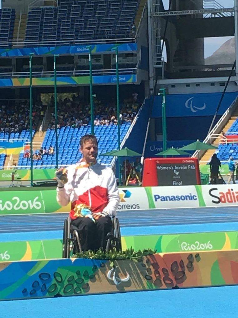 Peter Genyn pronkt met zijn gouden medaille.