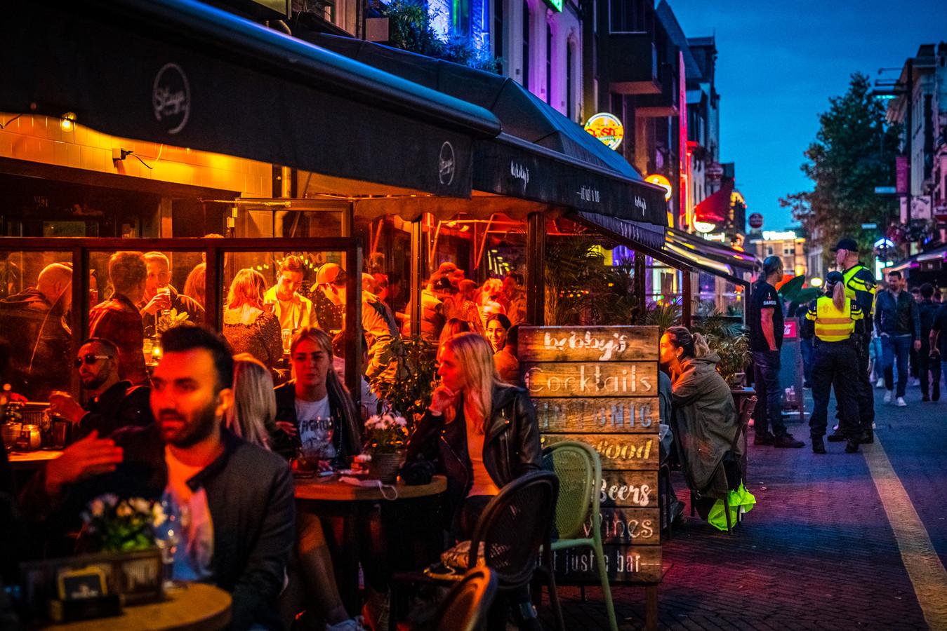 Drukte op het Stratumseind in Eindhoven, de langste caféstraat in Nederland. (Archieffoto)