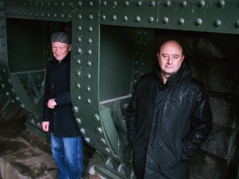 Luk Perceval (l) en Bruno De Wever. Beeld Thomas Sweertvaegher