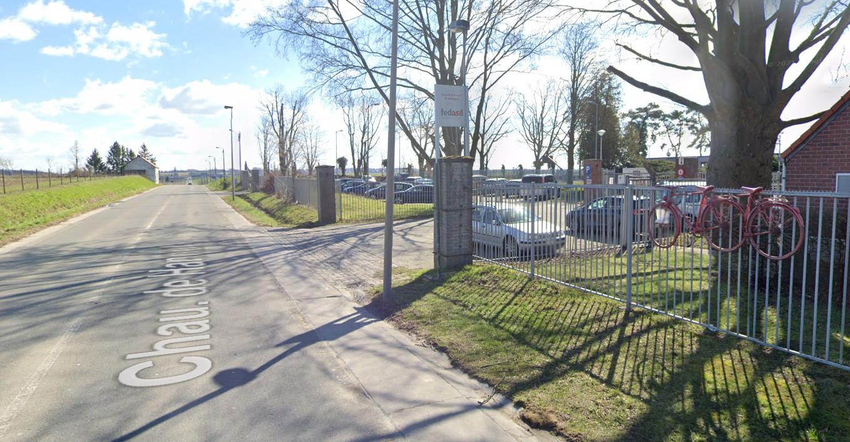 L'accident s'est produit le long de la chaussée de Hannut, non loin du centre Fedasil de Jodoigne.