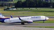 """Vliegtuig maakt noodlanding nadat """"dronken naakte Ier seks eist met stewardess"""""""