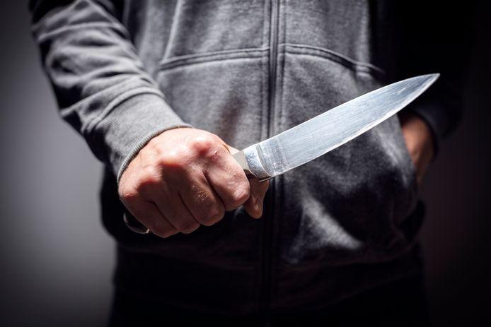 Steekwapens kunnen vanaf 11 oktober anoniem worden ingeleverd op het politiebureau in Zaltbommel.