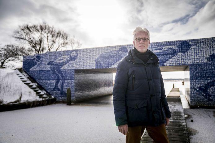 """Wiebe Wieling, voorzitter van de Koninklijke Vereniging De Friesche Elf Steden. ,,Deze kou bewijst dat een Elfstedentocht nog steeds mogelijk is, ook in een opwarmend klimaat."""""""