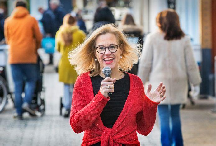 Jazz zingende wetenschapster Louise Koopman.