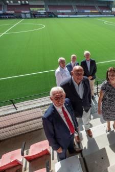 Wisseling van de wacht in Helmond Sport-bestuur; Frans Stienen volgt Philippe van Esch op als voorzitter
