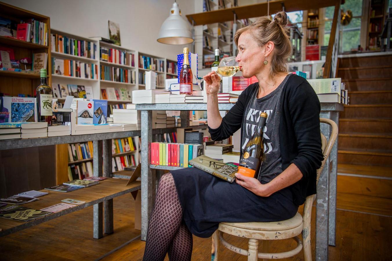 Drank verkopen in een boekenwinkel, mag voortaan niet meer in Nieuwegein.
