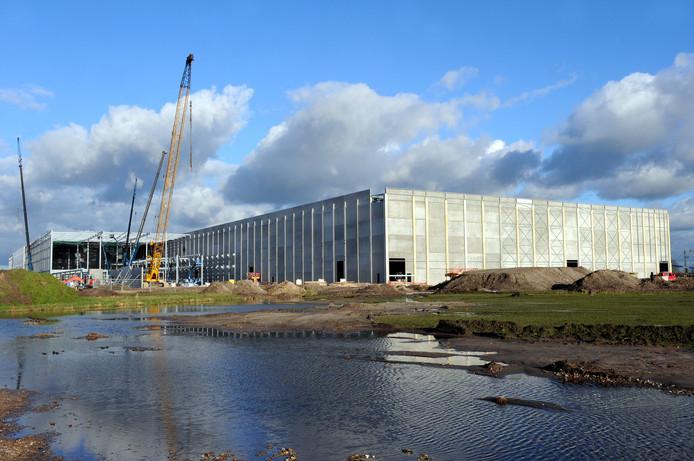 De bouw van een distributiecentrum in Roosendaal in 2016.