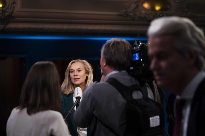 Sigrid Kaag (D66) staat de pers te woord na afloop van het een-op-een verkiezingsdebat van EenVandaag.