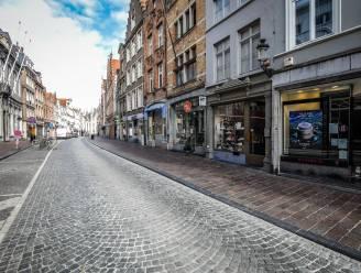 Winkeldieven die betrapt werden met wagen vol gestolen merkkledij uit luxeboetieks mogen gevangenis verlaten