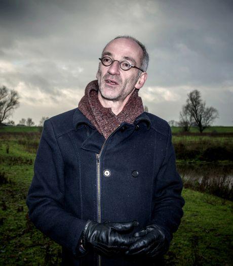 William van den Akker van Het Dijkmagazijn heeft zilveren erepenning Beuningen gekregen