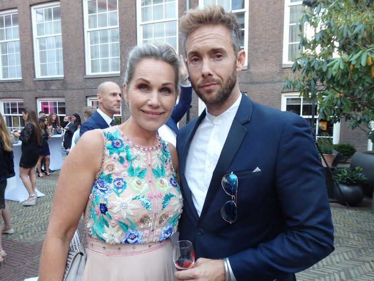 Presentator Tanja Jess en acteur Charly Luske, Amsterdamse showbizz Champions League. Beeld Schuim