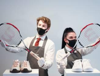 Oude tennisspullen van Federer leveren miljoenen op bij veiling