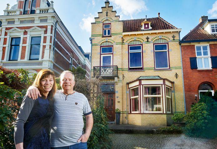 De woning  van Jean Pierre en Petra Peeters aan de Molenstraat te Oss met veel Jugendstil-elementen.