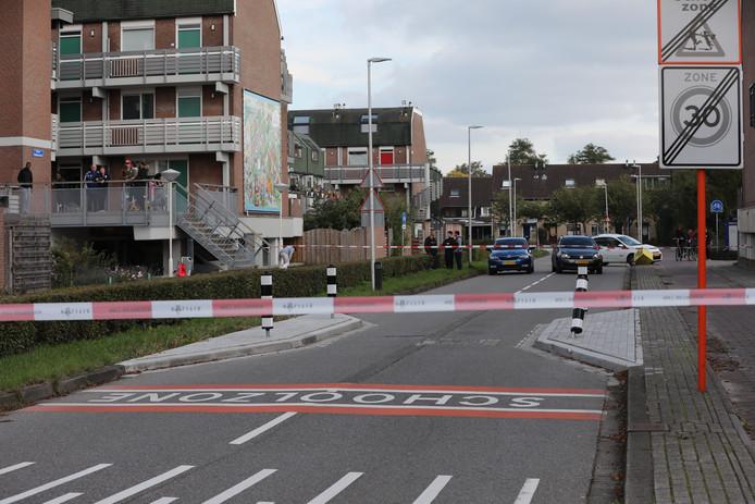 De omgeving van de Muzieklaan werd gistermiddag door de politie met lint afgezet.