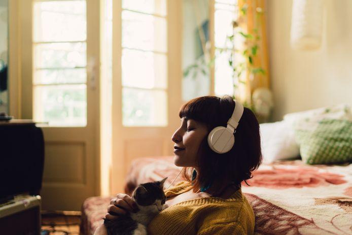 'Sound bath'-meditatie is trending: het is een vorm van geluidstherapie die je meeneemt op een geleide meditatie.