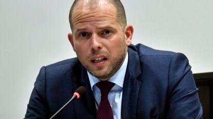 """Francken blijft Soedanese identificatiemissie verdedigen, ook na """"ontslag"""" ambassadeur"""