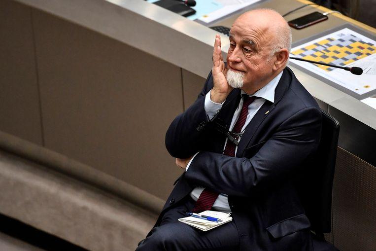 Jan Peumans bij zijn afscheid in het Vlaams Parlement. Beeld BELGA
