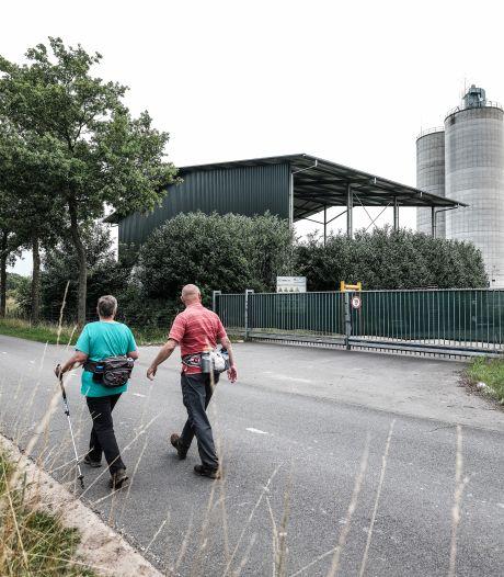 Asgrijze Winterswijkse silo's bij Sibelco krijgen kleur: 'Een heel mooi zoekplaatje'