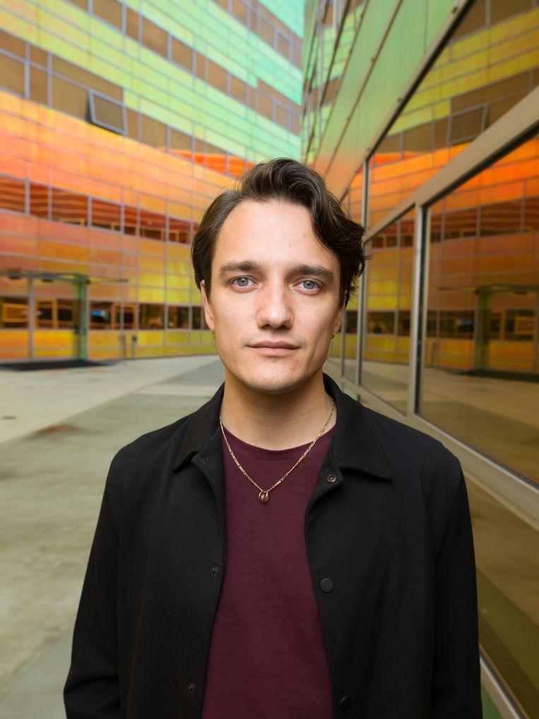 Acteur, schrijver en podcastmaker Simon Heijmans. Beeld Ivo van der Bent