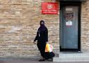Vrouwen in Saoedi-Arabië hoeven niet langer afzonderlijke ingangen te gebruiken of in aparte ruimtes te zitten.