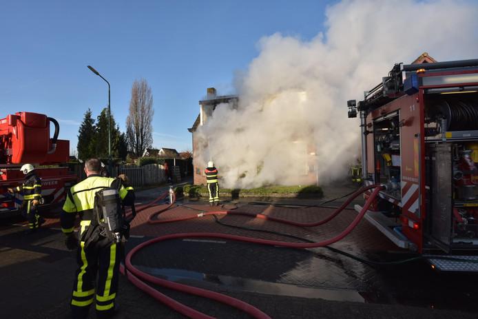 Woningbrand in Prinsenbeek.