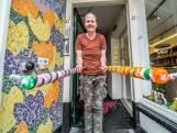 Mensen met verstandelijke beperking zien hun vaste dagstructuur wegvallen: Wachten op de bus die niet komt