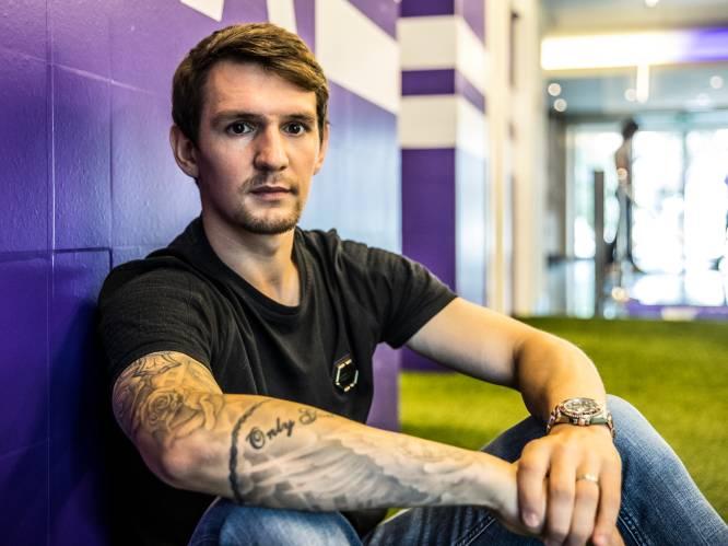 """INTERVIEW. Benito Raman, een maand na de Grote Terugkeer: """"Nog een halfjaar bij Schalke? Dan was ik gestopt met voetballen"""""""