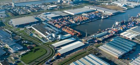 Moerdijk aast op proef zeehaven: vervoer nodig? Busje bellen!