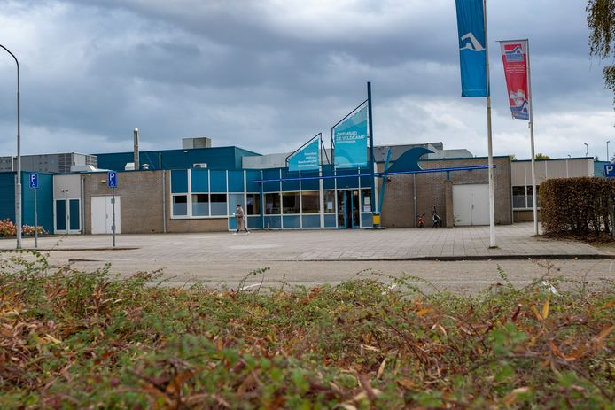 Wat is voor mensen belangrijk om zwembad De Veldkamp in Wezep aantrekkelijker te maken. Op die vragen hoopt de gemeente Oldebroek een antwoord te krijgen door een enquête.