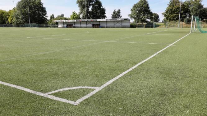 Stad vernieuwt kunstgrasvoetbalveld van SKN Sint-Niklaas