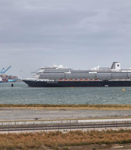 Nieuw cruiseschip arriveert in stilte in haven Rotterdam: hier kan je haar spotten