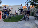 Enkele fietsers van Team Ralf die de volledige 500 kilometer gaan fietsen: v.l.n.r.: Roberto Breeveld, Hein Duijf, Bart Huijs, Jop Sinkeldam en Laurens Bongers.