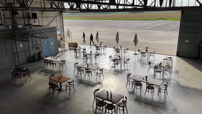 Op zoek naar een uniek terras en fan van vliegtuigen? In de hangaar van ULM Ganshoren kijk je uit op de landingsbanen
