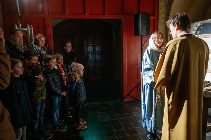 In Steenbergen organiseerden de drie kerken en een theatervereniging een lichtjestocht.