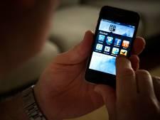 Oplichter spreekt in Overdinkel af met koper, maakt geld afhandig voor neppe iPhone en rent weg