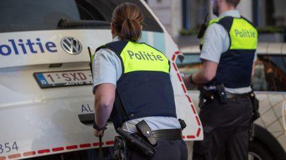 Dealer vlucht met fiets voor politie in Stuivenbergwijk en rijdt kind aan