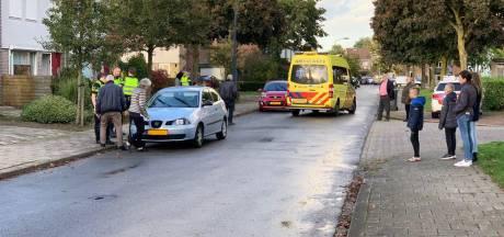 Kind loopt weg van trottoir en wordt aangereden door auto in Silvolde
