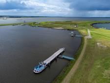 Het 'gifschip' is weg uit Zwolle en houdt nu de politiek in Flevoland (en zelfs Den Haag) bezig
