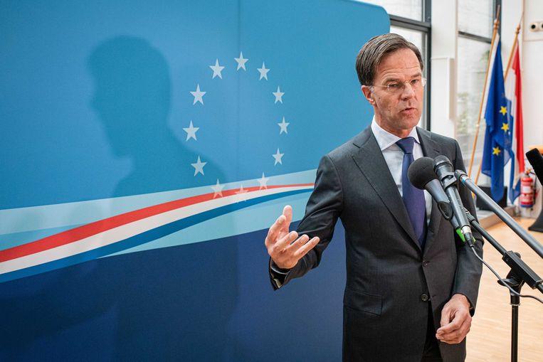 Minister-president Mark Rutte komt aan bij de permanente vertegenwoordiging van Nederland in Brussel, waar hij de EU-top bijwoont.  Beeld ANP