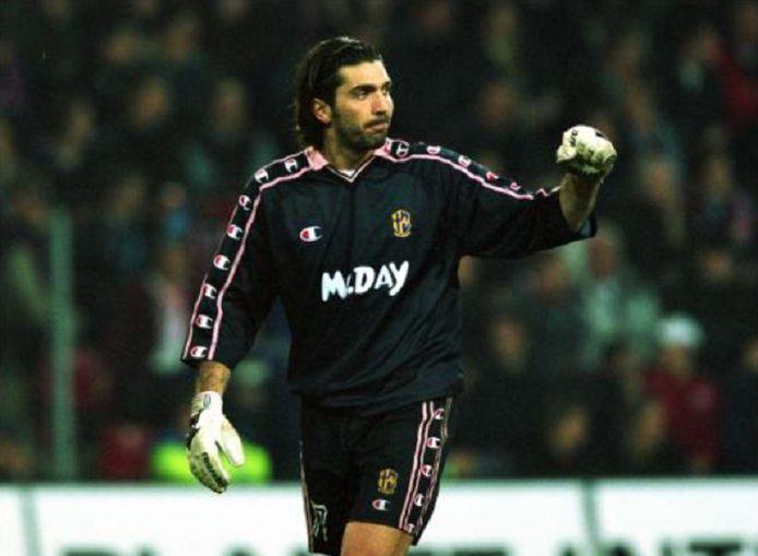 Buffon 20 jaar geleden bij Parma.