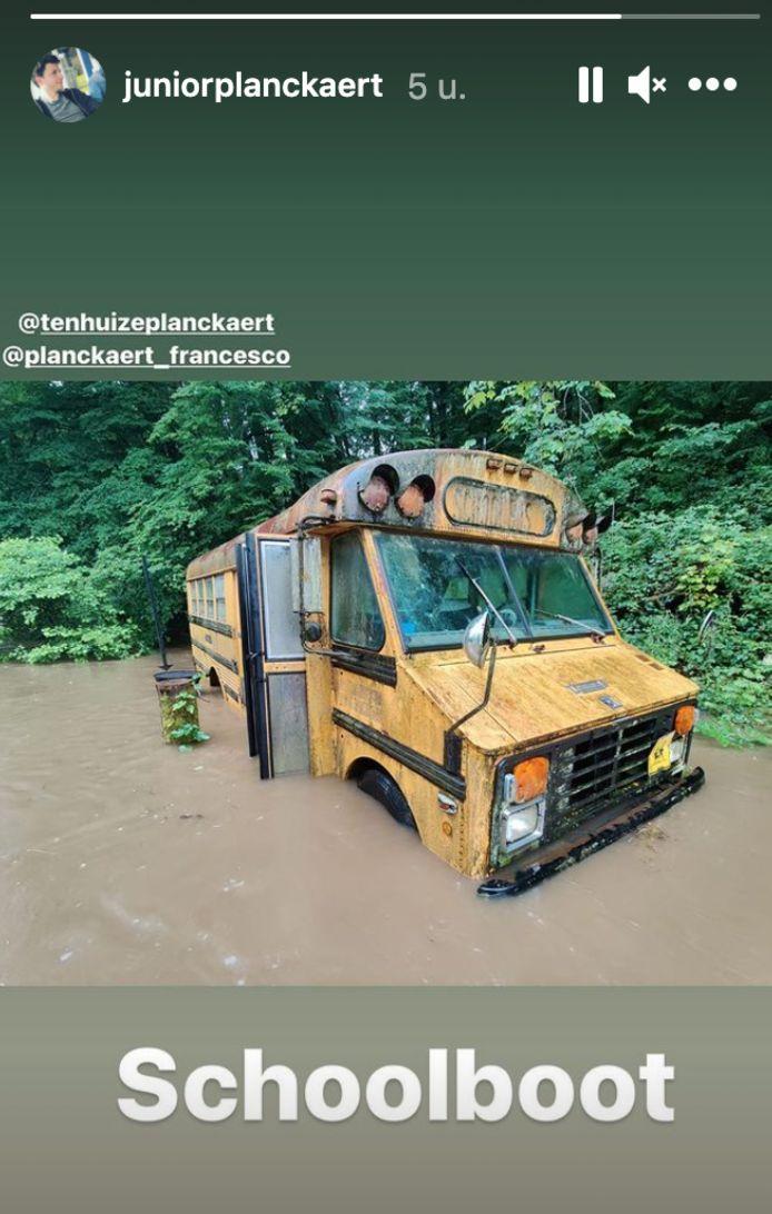 De bus van de Planckaerts is klaar voor de schroothoop.