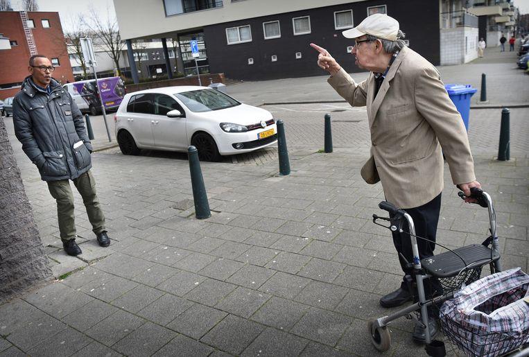 De ene Rotterdammer in gesprek met de andere Rotterdammer, februari2021. Beeld Hollandse Hoogte / Marcel van den Bergh