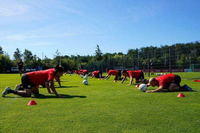 PSV tijdens de training in het Duitse Marienfeld.