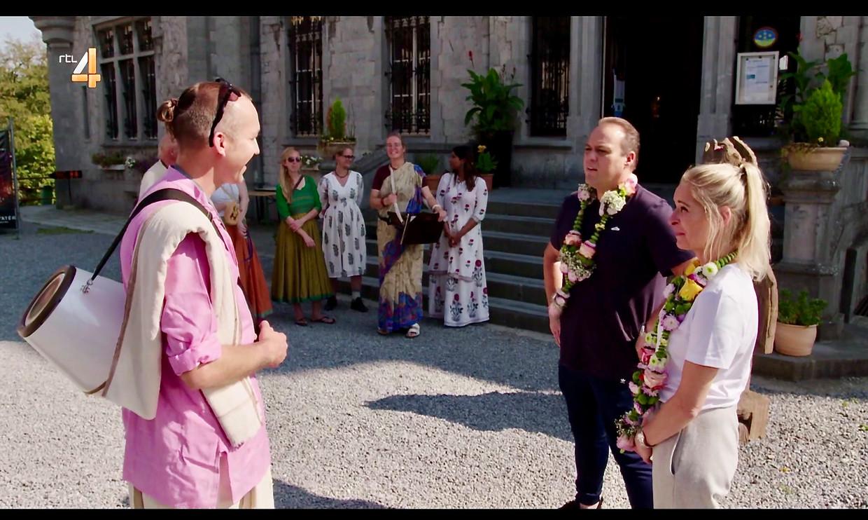 Team Krisjna wint het van Frans en Mariska Bauer in 'De Bauers: Bestemming Onbekend' van RTL4. Beeld