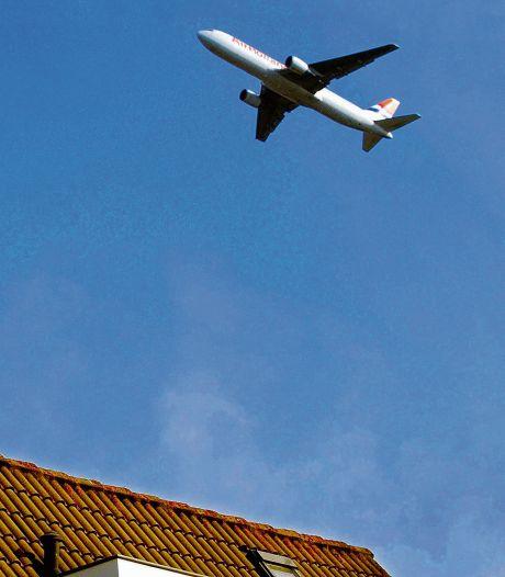 Vliegtuigklagers zijn vaak maar een jaar actief, de DCMR wil weten waarom