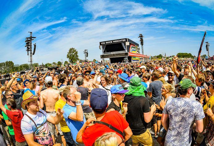 Rock Werchter 2019. Live Nation denkt dat concerten en festivals volgende zomer weer op grote schaal kunnen worden gehouden.